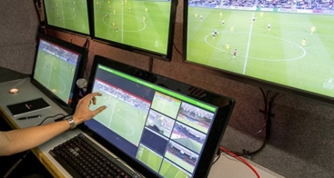 VOKKERO Squadra : tests of the video assistance for football